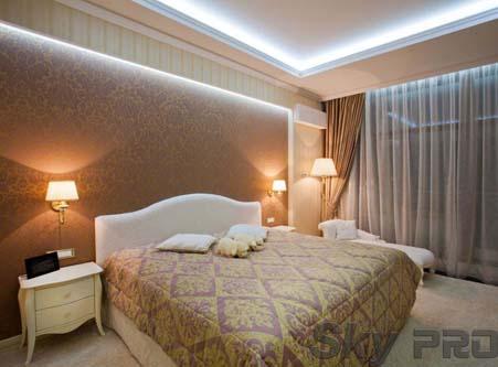Парящие шторы в спальне